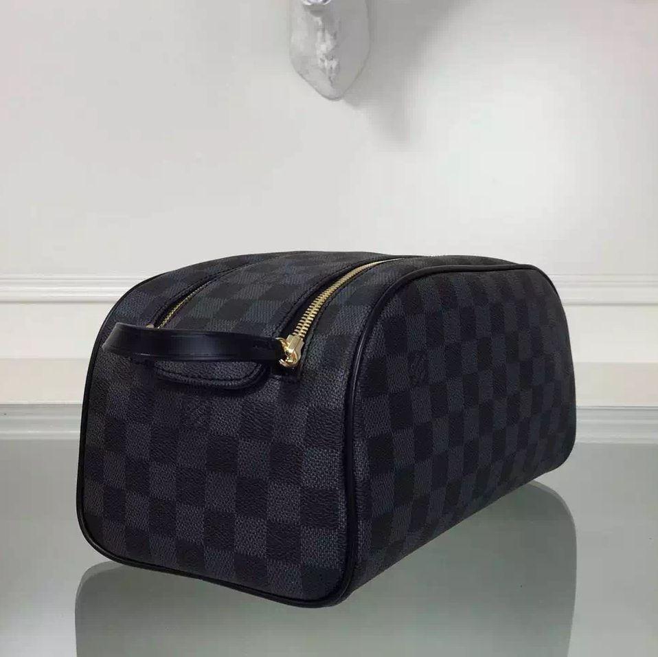 a320c9424 Louis Vuitton Damier Graphite Canvas King Size Toiletry Bag | Louis ...