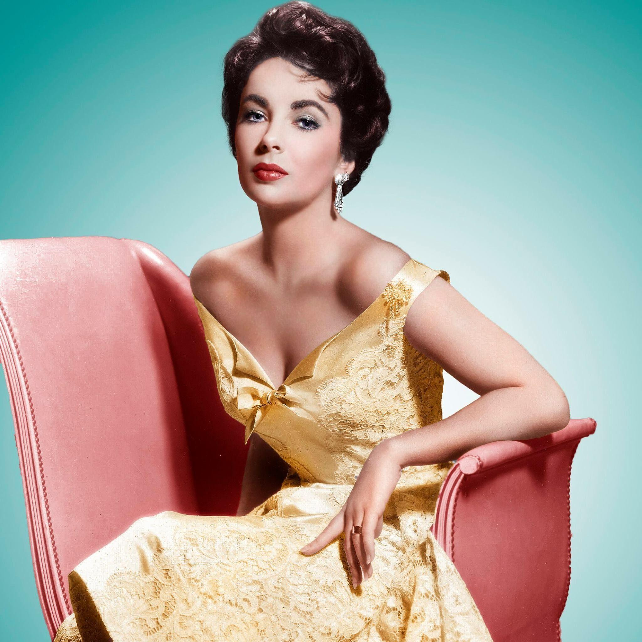 Elizabeth Taylor In Yellow Early 1950S(Wwwelizabethtaylorcom)