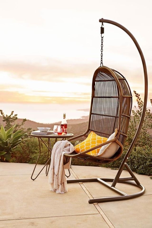 Ordinaire How Gorgeous Is This Outdoor Reading Chair? This Would Add A Touch Of  Modern Style To Ay Patio    And Create A Tranquil Reading Nook!