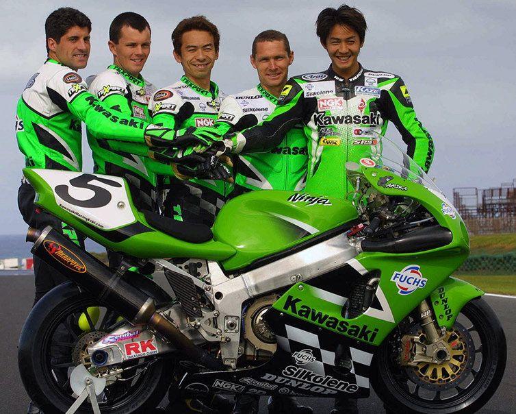 問題児レーサー ZX7R/RR 系譜の外側 in 2020 Kawasaki motorcycles