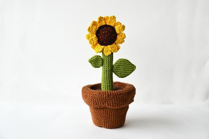 Sunflower in Pot Crochet Pattern