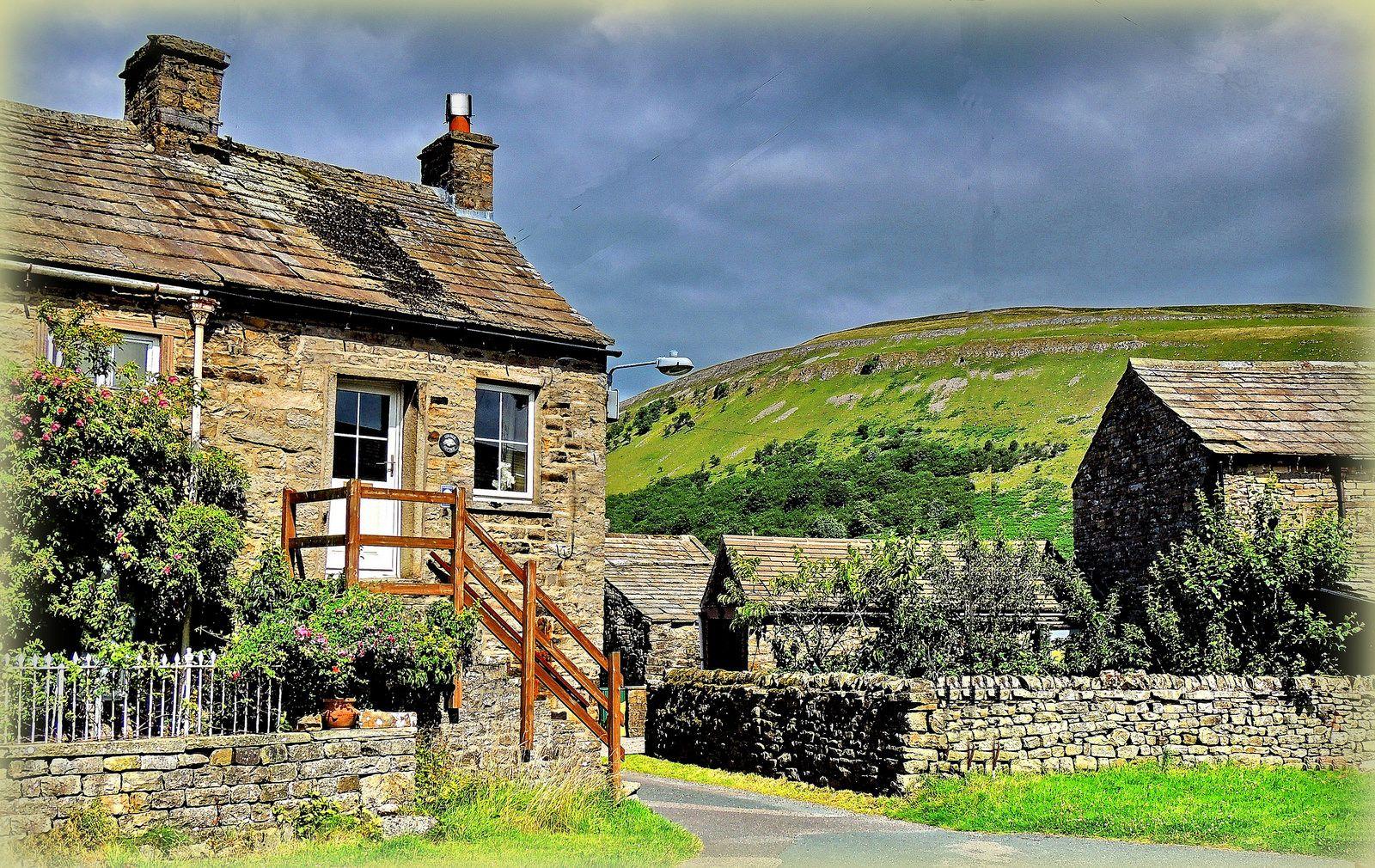 Corner Cottage | von ◄TWIZ►