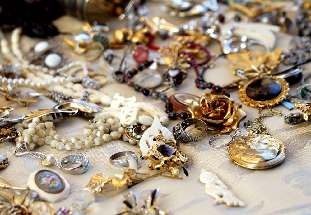 40+ We buy costume jewelry near me viral
