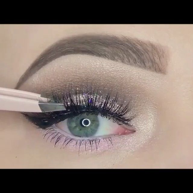 """Amazing tutorial by @MakeUpWithTammy✨ Song: """"Habits (Stay High;Hippie Sabotage Remix)"""" by. Tove Lo"""