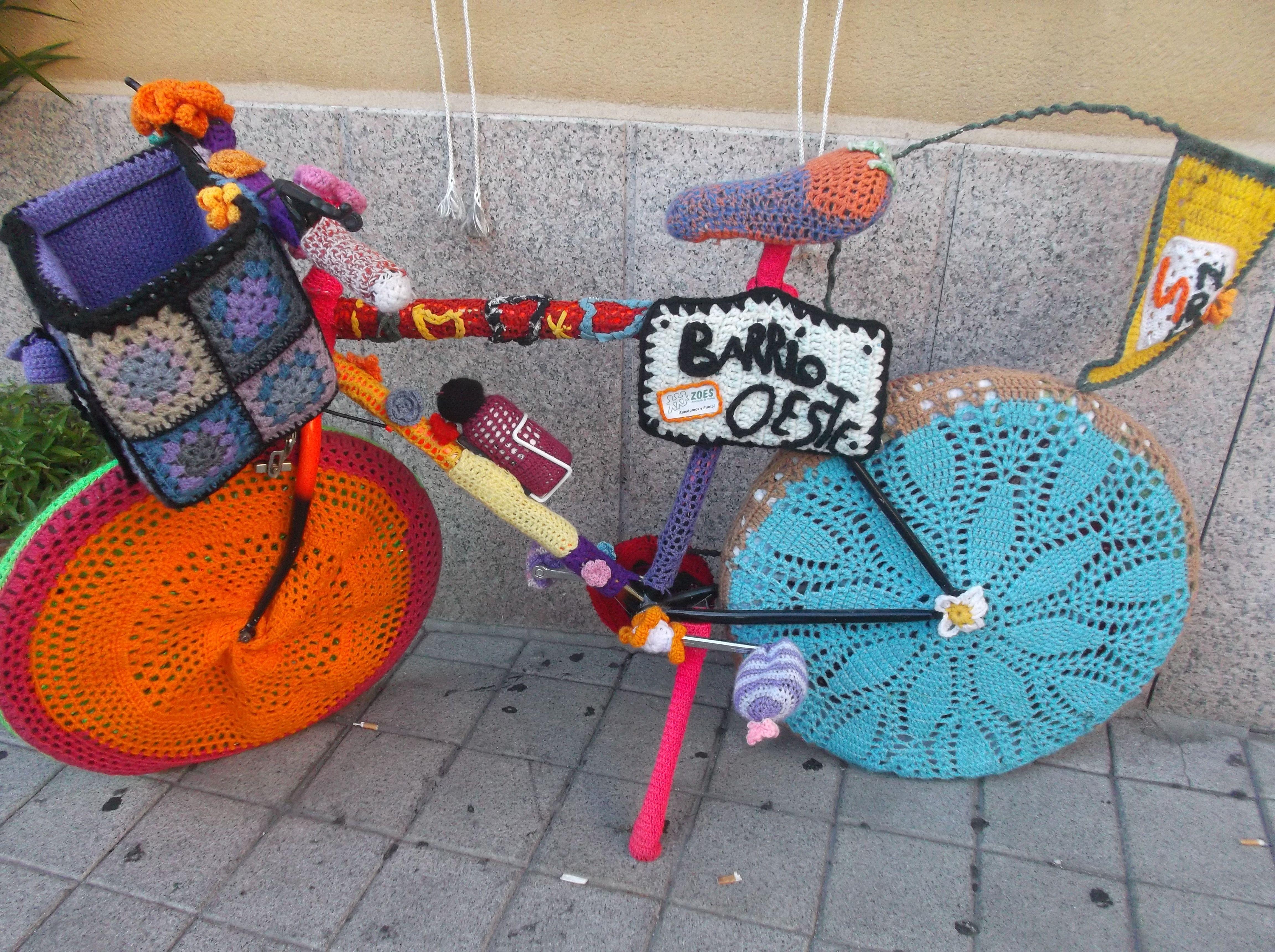 Una bonita bicicleta forrada toda a apunto.