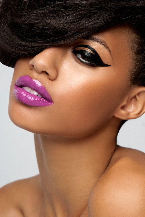 Glossy purple lipstick and fabulous black eyeliner makeup ...