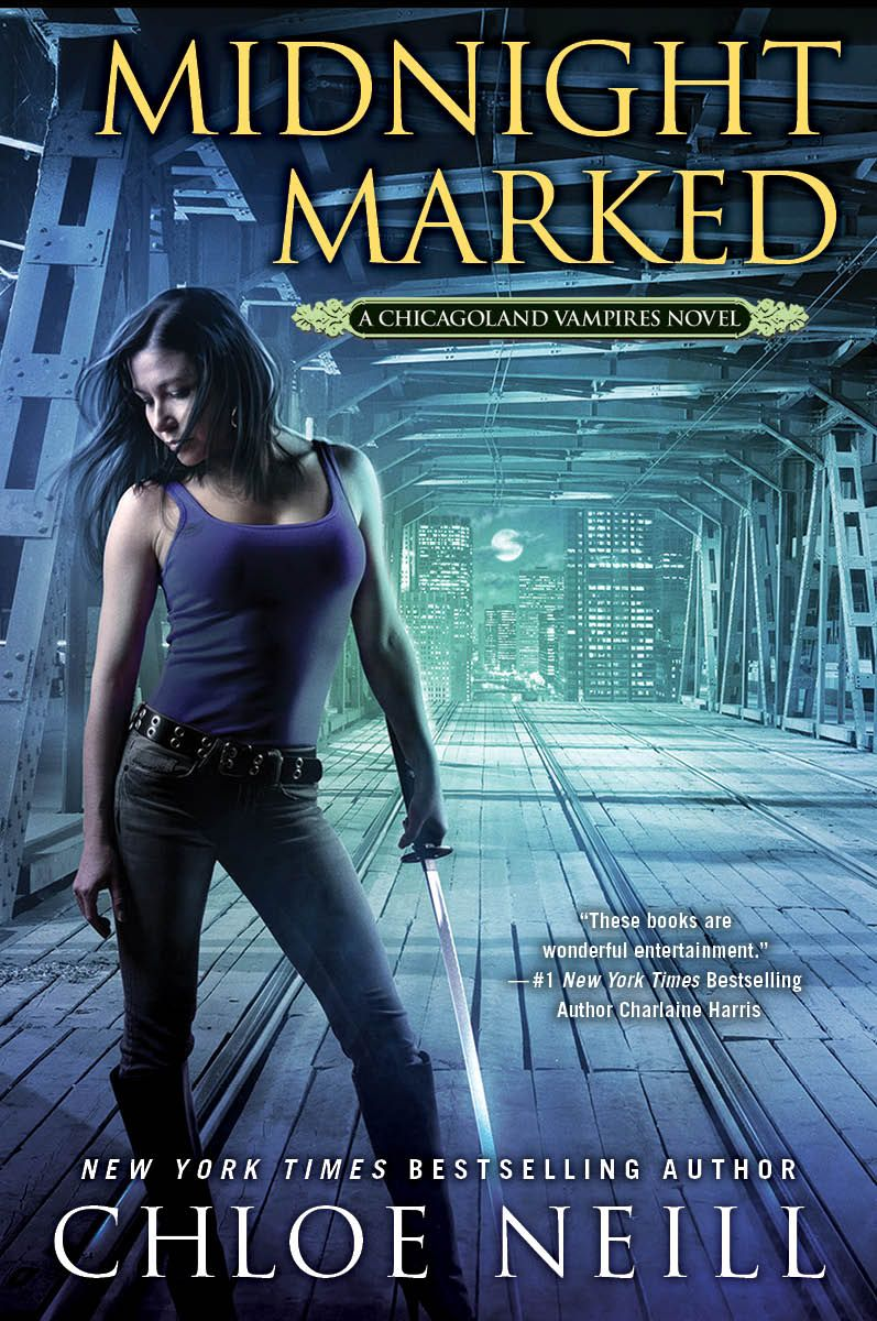 """#Review: """"There's nothing I can't say that I haven't said already....every book in the #ChicagolandVampires series has been nothing but fabulous and MIDNIGHT MARKED is no exception."""" - Jackie 