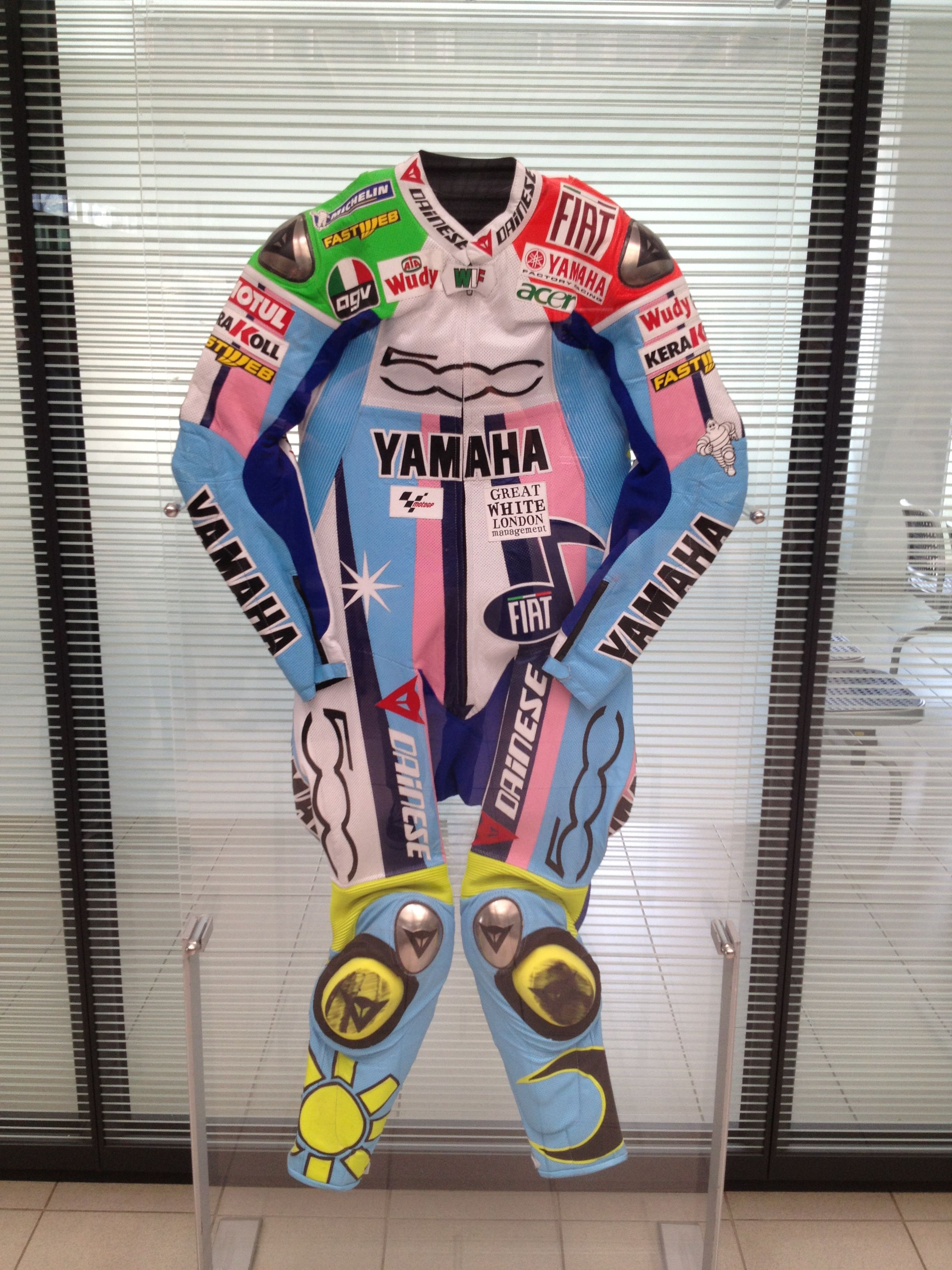 Valentino Rossi Dainese Suit Pinterest Gambar Grafiti