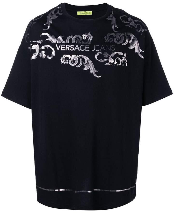 2d4a15dcf Versace metallic logo print T-shirt in 2019