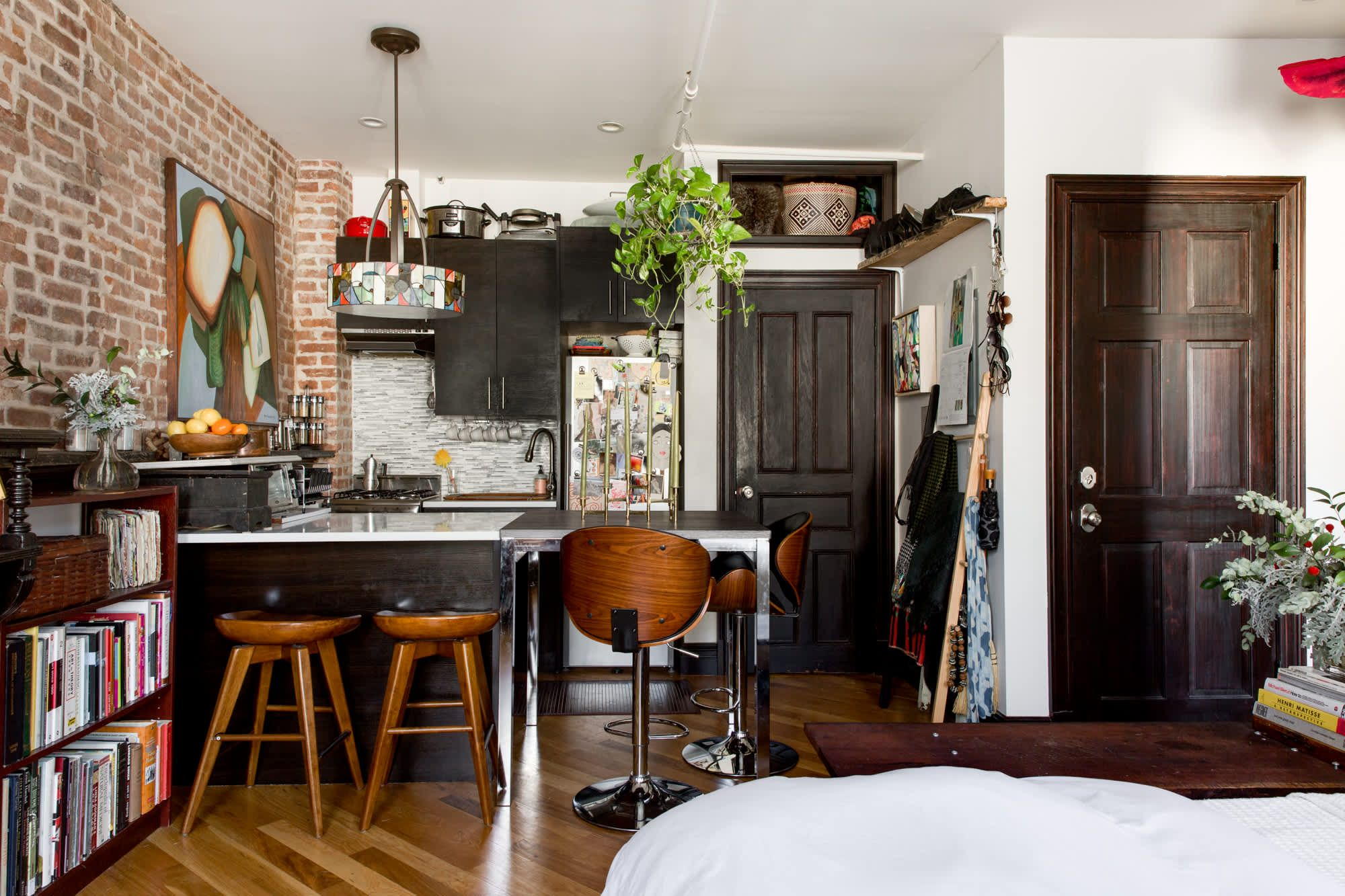 A Charming 280SquareFoot Crown Heights Studio