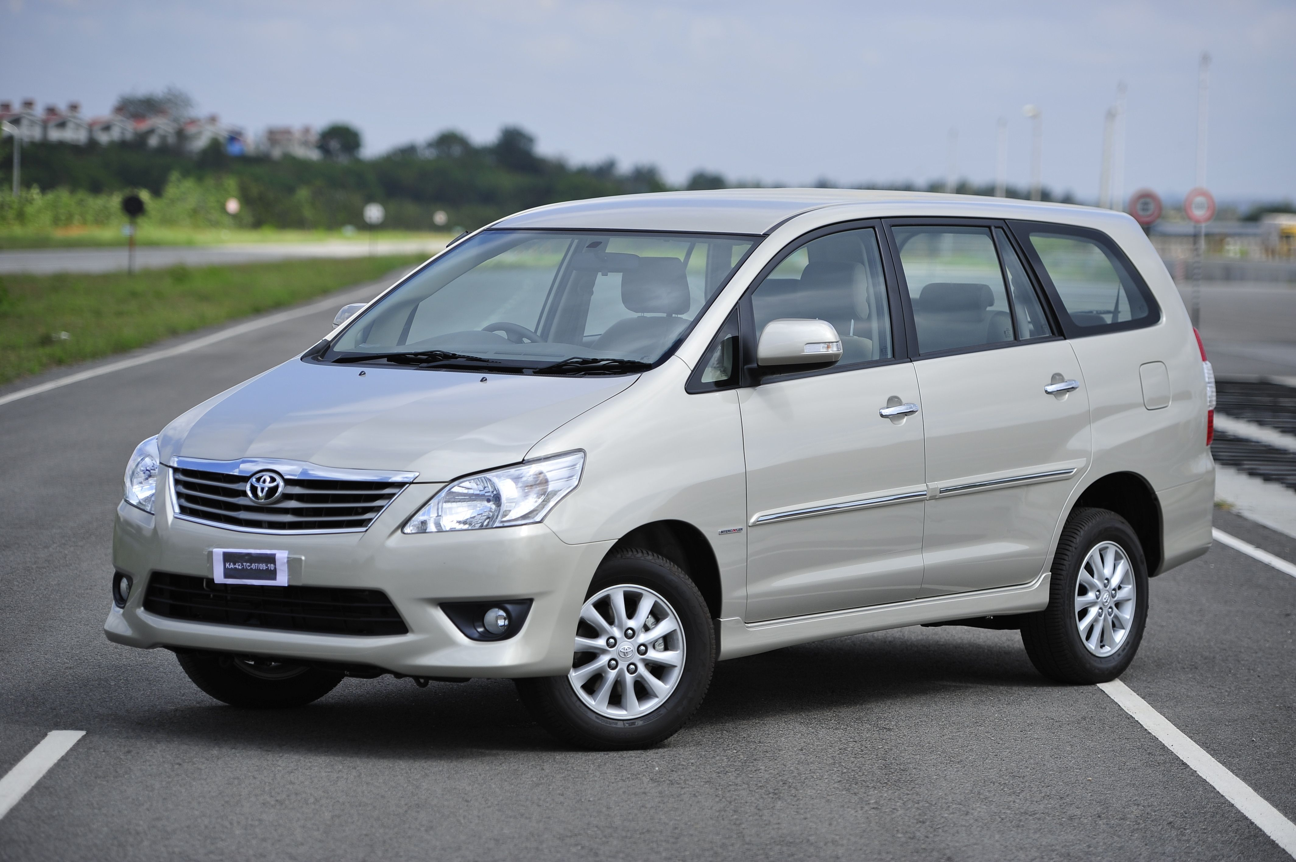 Travel By Car Travelling By Car Is Perhaps The Easiest Method To Explore The Country And Its Diversity In Toto We Assist Our Clients In Hiring Best C Car Rental