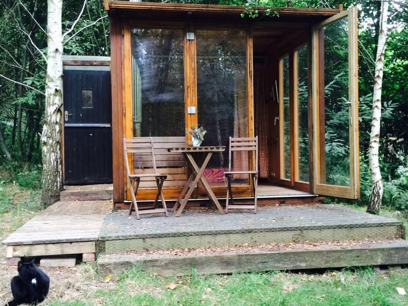 Holiday Shepherds Hut In Wolverley With Walking And Log