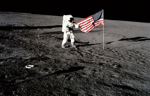 5 The Moon Landing Conspiracy The Controversial Waving Flag Man On The Moon Neil Armstrong Moon Landing