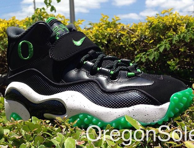 Nike Air Zoom Turf OREGON DUCKS  8c4e2e1492