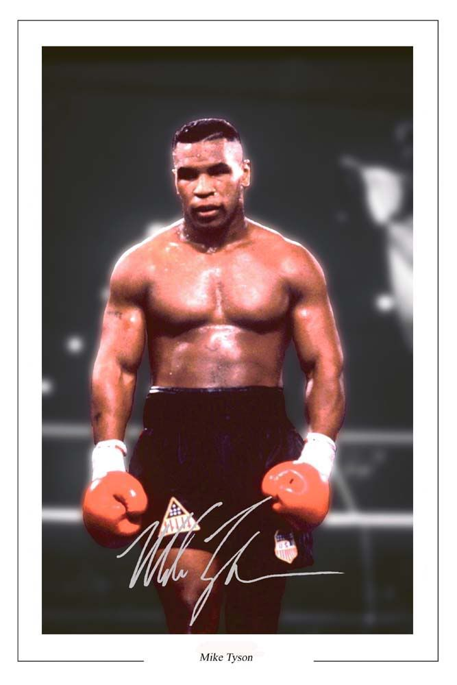 Mike Tyson Click On Pic To See A Full Screen Pic In A Better Looking Black Background Mike Tyson Mike Tyson Boxing World Boxing