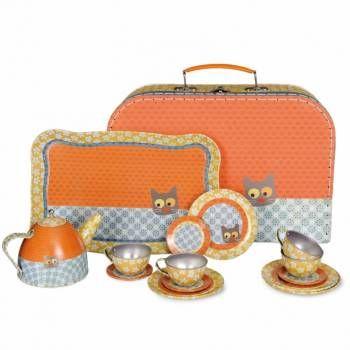 Te gek koffertje met leuk servies voor kinderen! Ideaal sinterklaascadeau! #sinterklaascadeaus #sinterklaascadeautjes #sinterklaas
