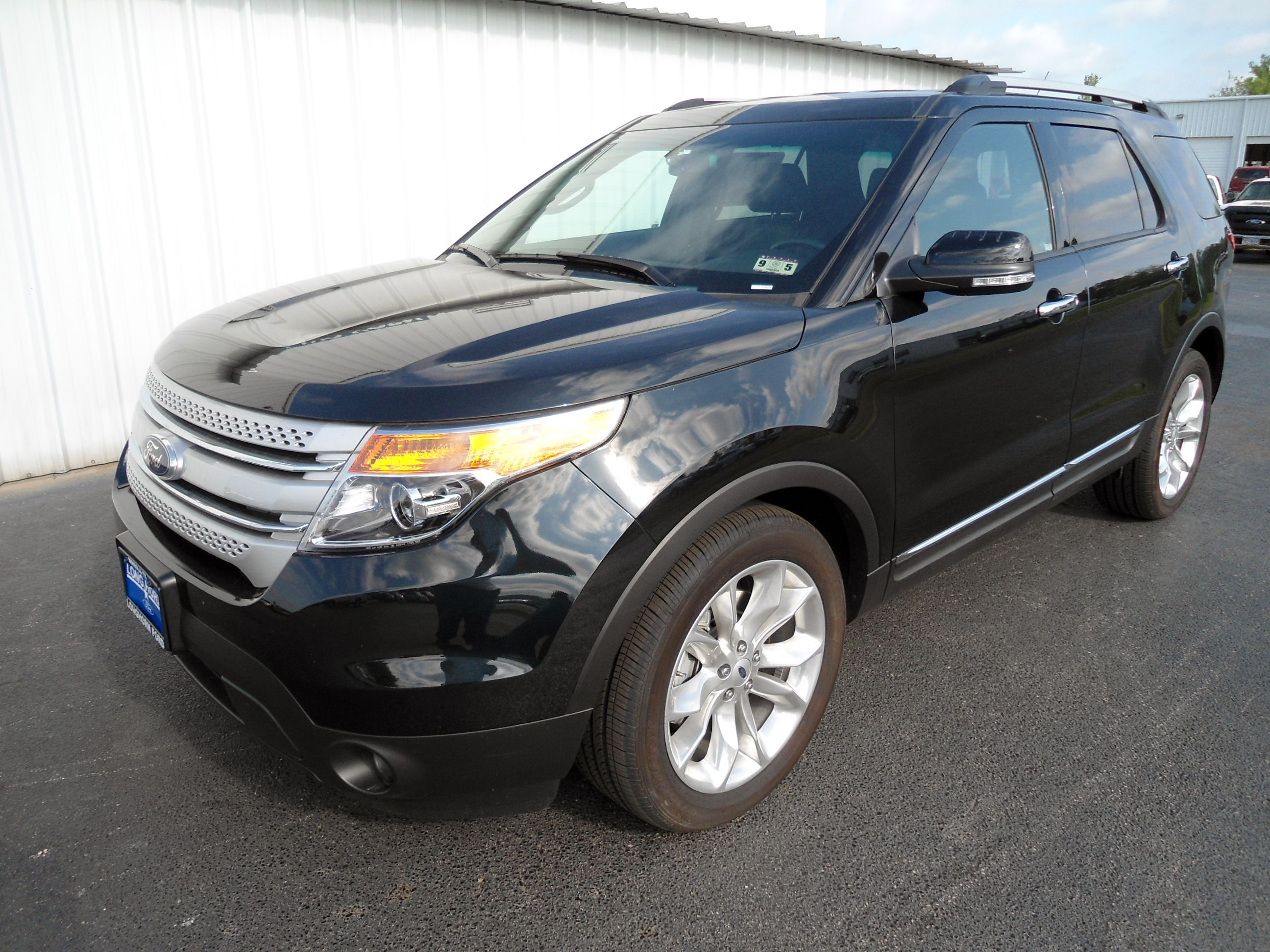 2014 Ford Explorer Xlt With 20 Inch Polished Aluminum Wheels
