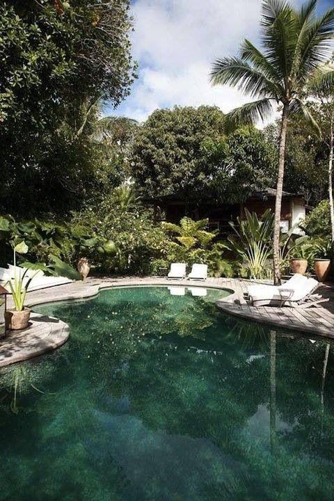 Lakelike pool