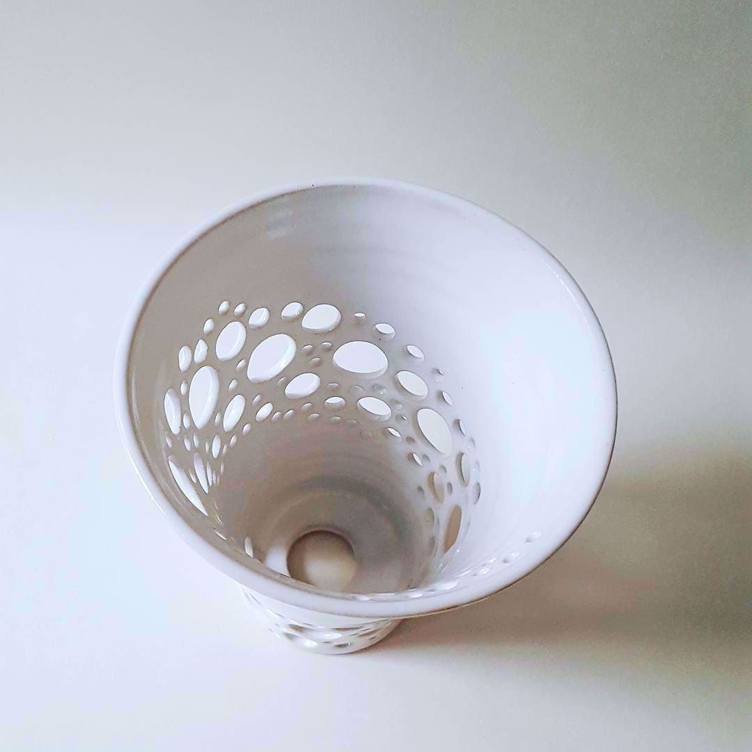 Birdseye view of one of my wheelthrown v shaped white ceramic lampshades. . . . #clay #ceramics #pottery #madebyme #instapottery #wheelthrown #cremerging #handmade #love.pottery #madeinlondon #maker #design #love.ceramic #etsy4you #etsyuk #londonmakers #craft #interiordesign #lampshade