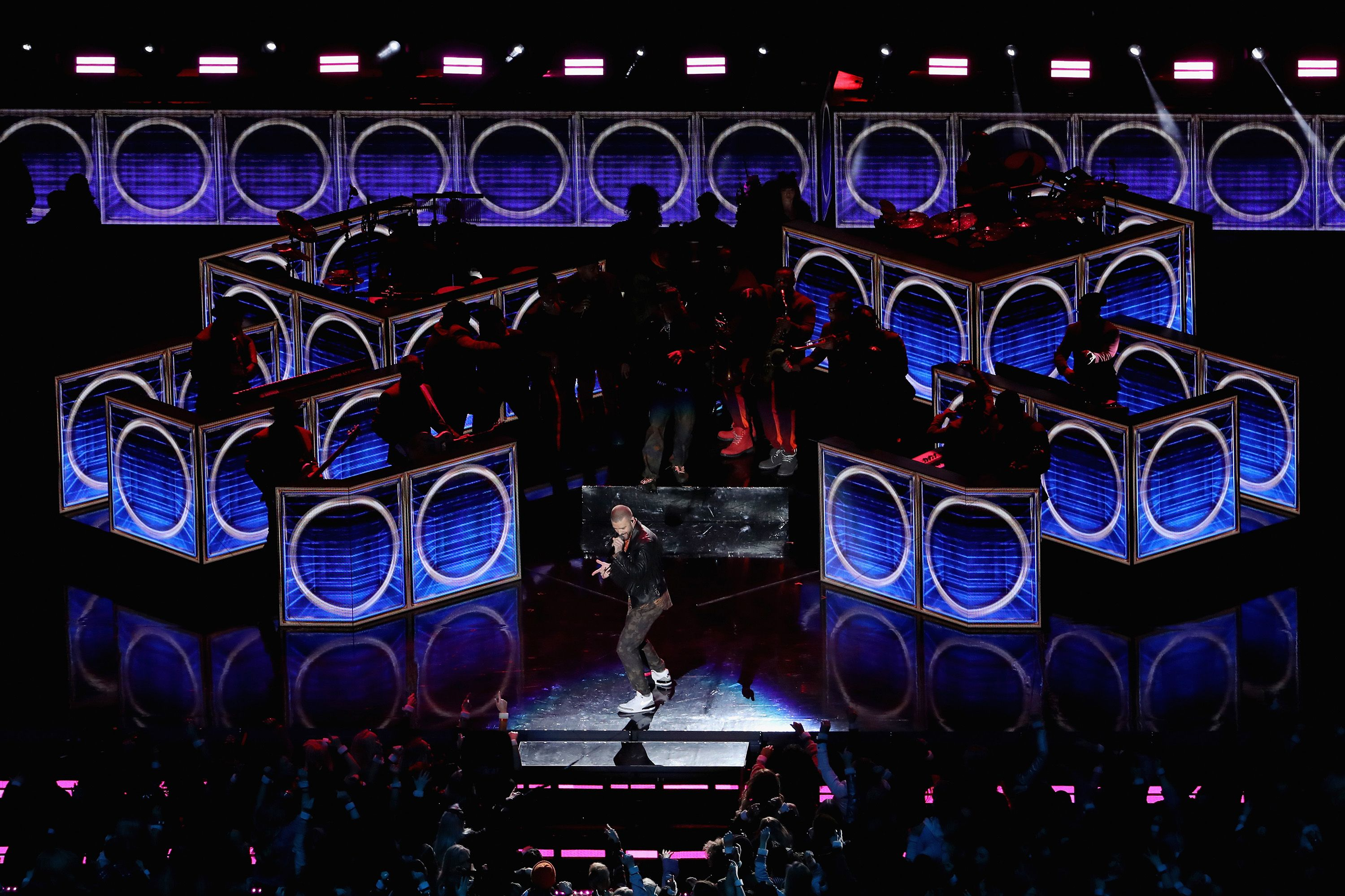 Lighting designer Kevin Adams writes a firsthand account of his lighting for American Idiot.  sc 1 st  Pinterest & Lighting designer Kevin Adams writes a firsthand account of his ...