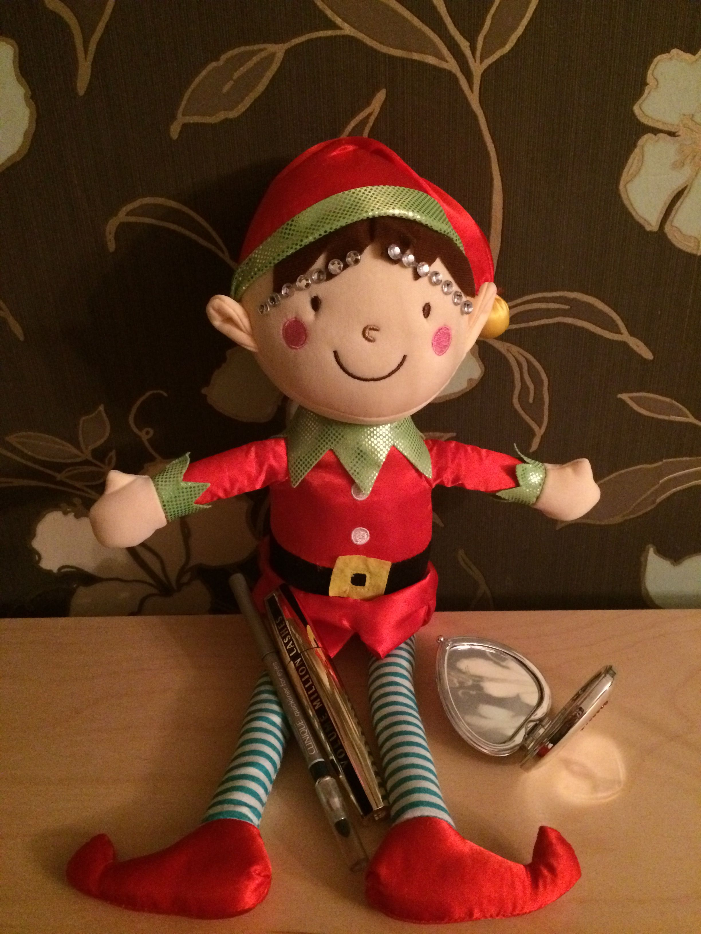 Haha someone mentioned eyebrows and look what Our Naughty Elf has only gone and done Bling Brows for Christmas 🎅🏼 December 2016