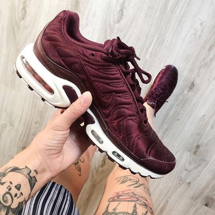 Trendy Sneakers 2017/ 2018 : Sneakers women Nike Air Max Plus Satin  (Âpucineg) · Air Max SneakersWomen's Shoes ...