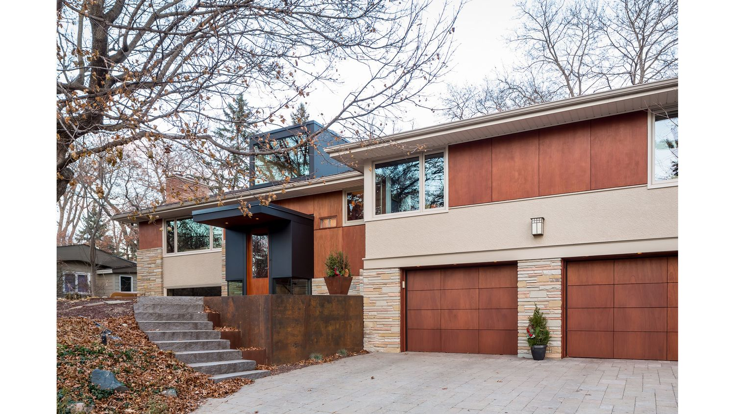 New Life At The Split Level Built In The Mid 60 S This Wonderful Split Level Home Had B Split Level House Exterior Split Level Remodel Exterior House Exterior