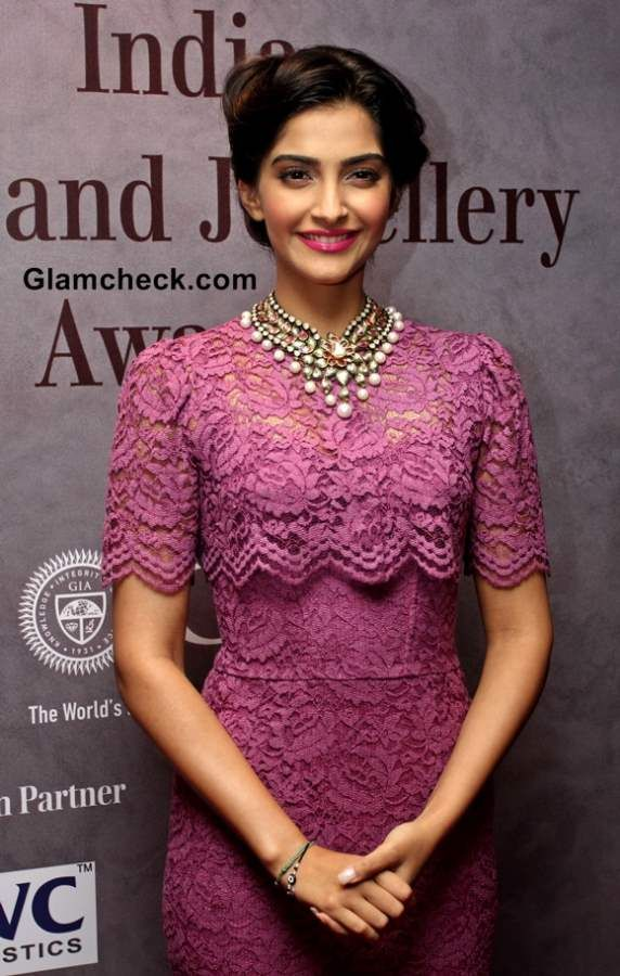 d641a046f580 Sonam Kapoor in Dolce Gabbana Lace Dress Pictures at 40th India Gem and  Jewellery Awards