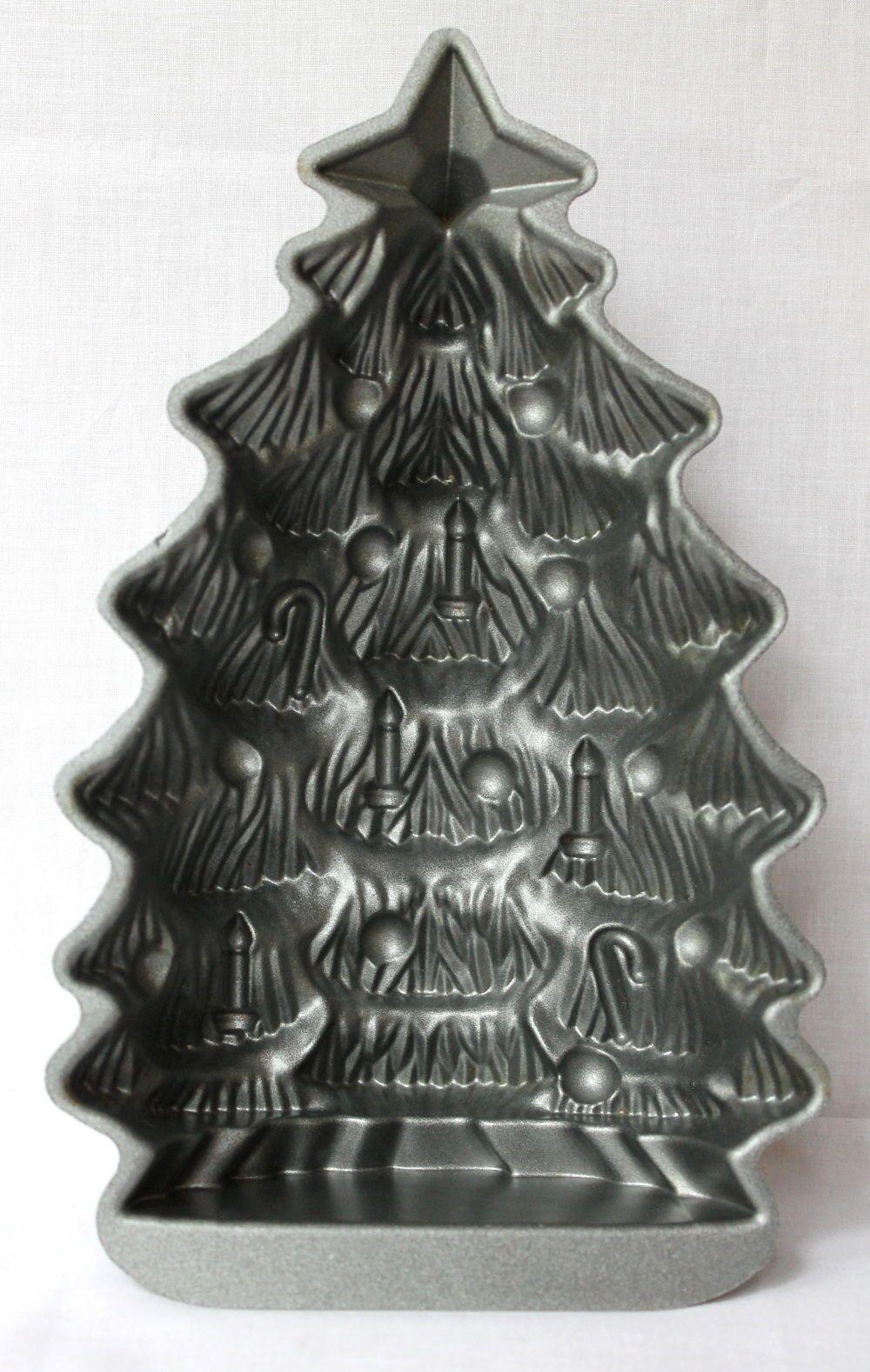 11 Nordic Ware Cast Aluminum Christmas Tree 4 5 Cups Cake Bread Baking Pan Mold Ebay Nordic Ware Aluminum Christmas Tree Bread Baking