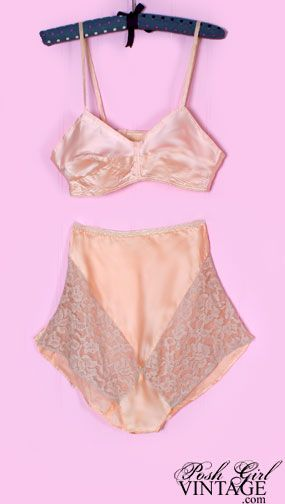 e987f01cd0 This is a gorgeous original matching set of vintage 30 s - 40 s peach silk  panties   bra. Unworn old stock. Straps are silk ribbon with no hooks or  other ...