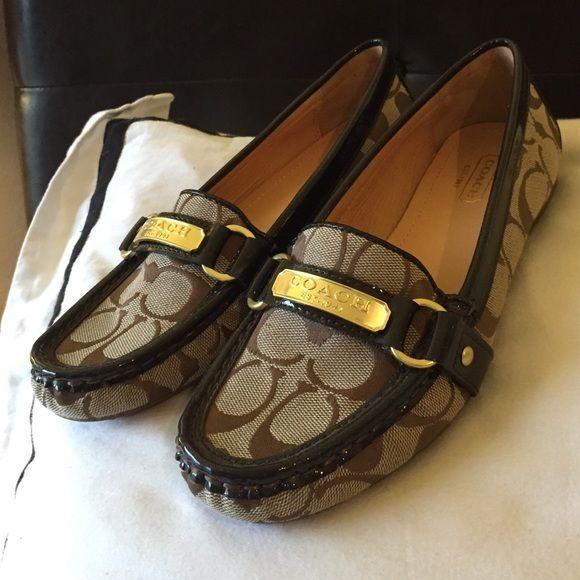 Make me an offer Coach flats NEW Coach Felisha Signature Jacquard Flats KHAKI Loafer Shoes MOC Size 7b US no original box The perfect gift for Christmas Coach Shoes Flats & Loafers