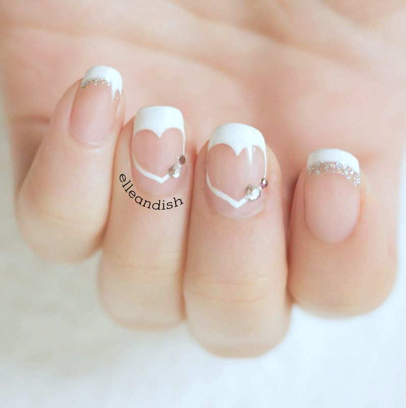 25 Simple but Artistic Negative Space Nail Art Collections ...