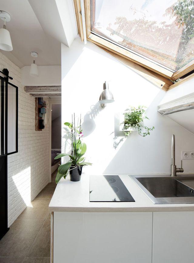 Combles aménagés en chambre, salle de bains, cuisine, salon Living