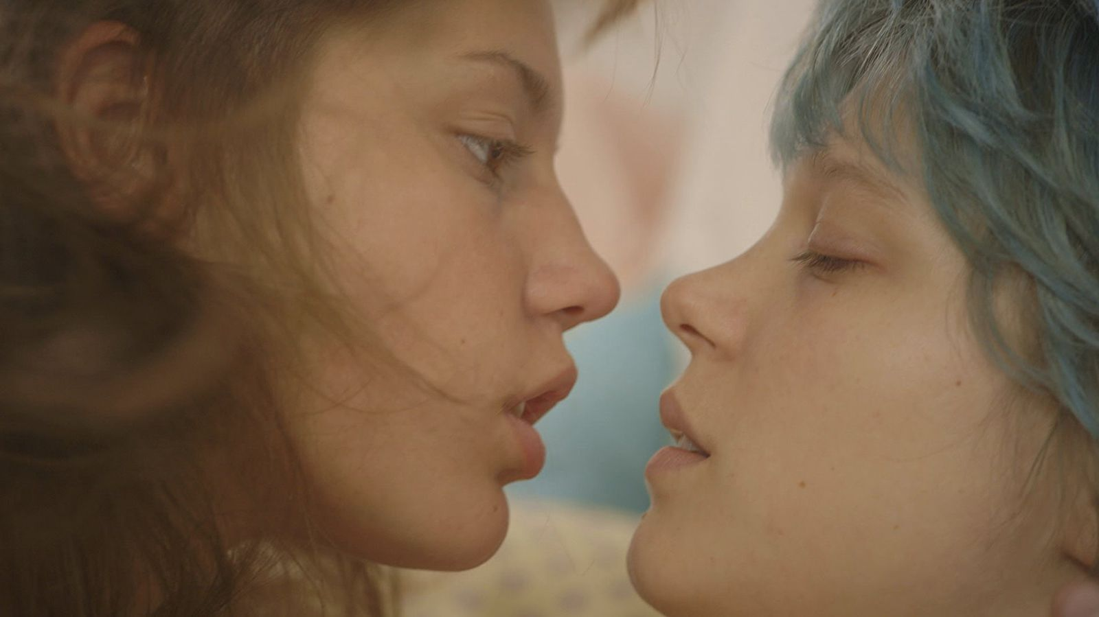 These Are The Sexiest Movies On Netflix That Are Actually Good Blue Is The Warmest Colour Romantic Movies Netflix Movies To Watch
