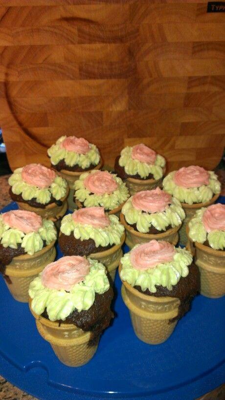 Flowerpot cupcakes :-)