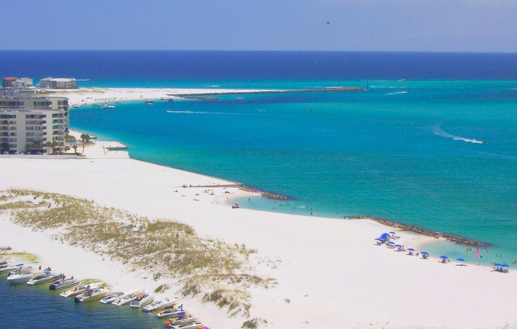 This Is Destin Florida Picture Your Ceremony On That Sugar White Sand Www Surfsidebrides Com Beach Destin Destin Florida