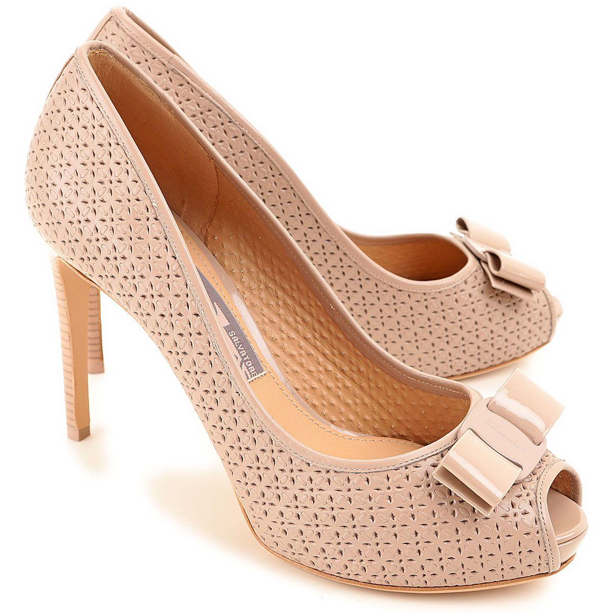 Salvatore Ferragamo, calzado de diseño clásico   Zapatos 5b8132b59d
