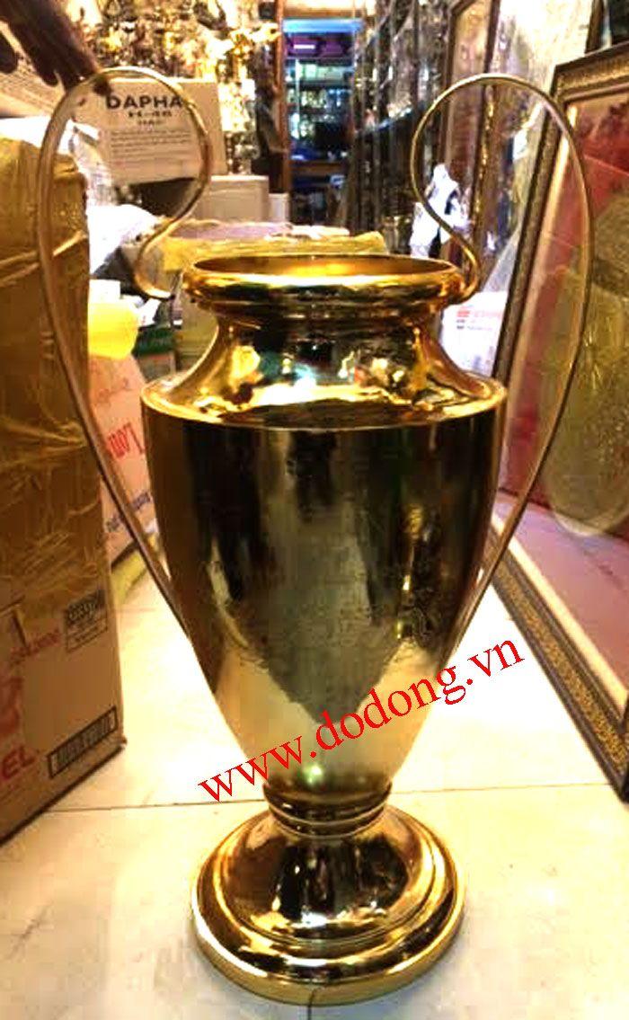 Cúp c1 bằng đồng,cúp mạ vàng bóng đá Huy hiệu, Bóng đá