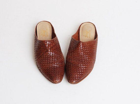 2a670210a269 Size 9 Vintage 90s Brown Woven Slides Shoes 40