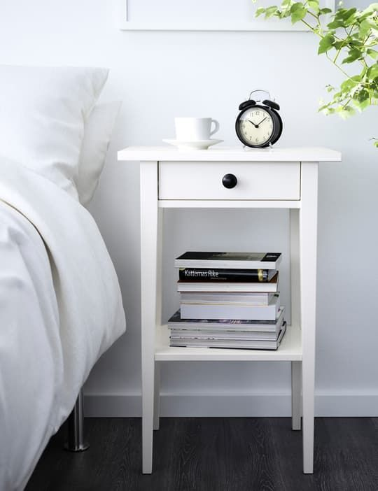 die besten 25 hemnes nightstand ideen auf pinterest. Black Bedroom Furniture Sets. Home Design Ideas