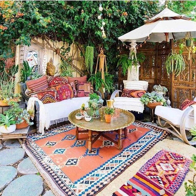 24 Traditional Indian Carpet Designs For Living Room