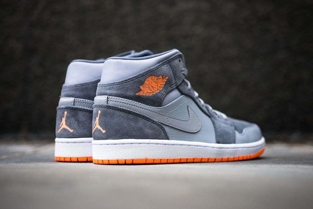 Air Jordan 1 Mid - Wolf Grey/Atomic Orange