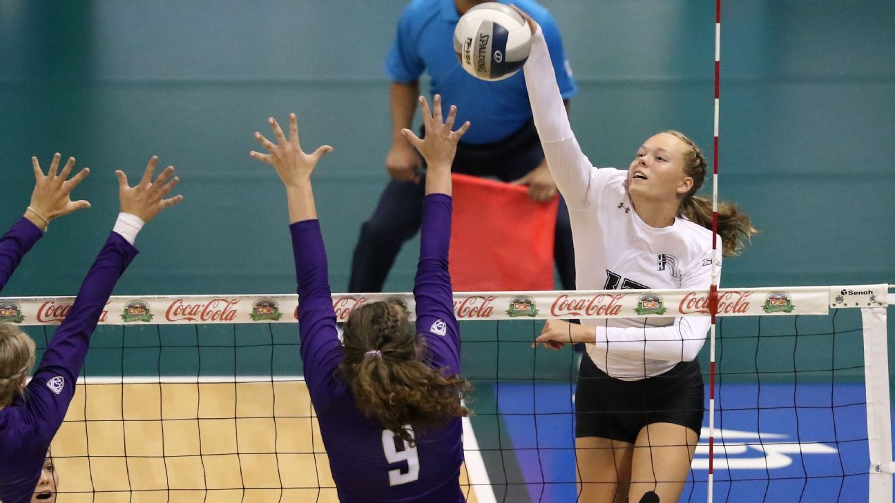 Hawai I Volleyball Reaching New And Old Heights Volleyball Hawaii Sports One Team