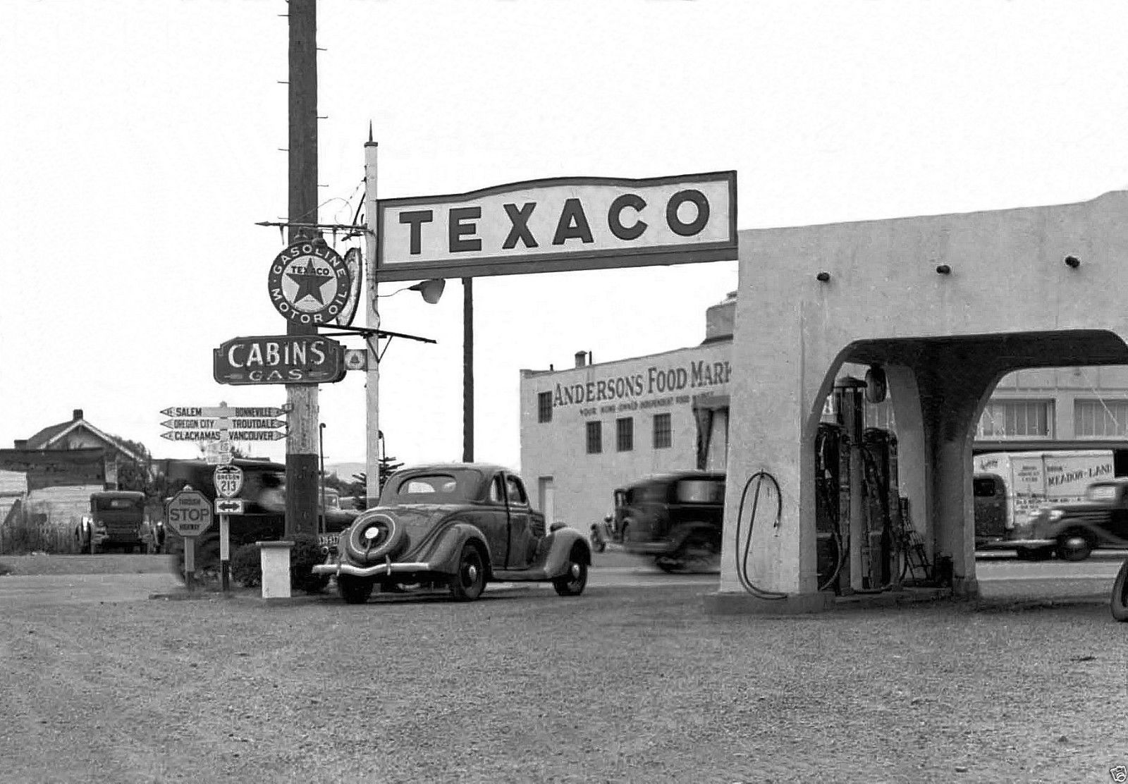 Pin by Kenny Berg on Vintage Car Scenes Gas station, Old