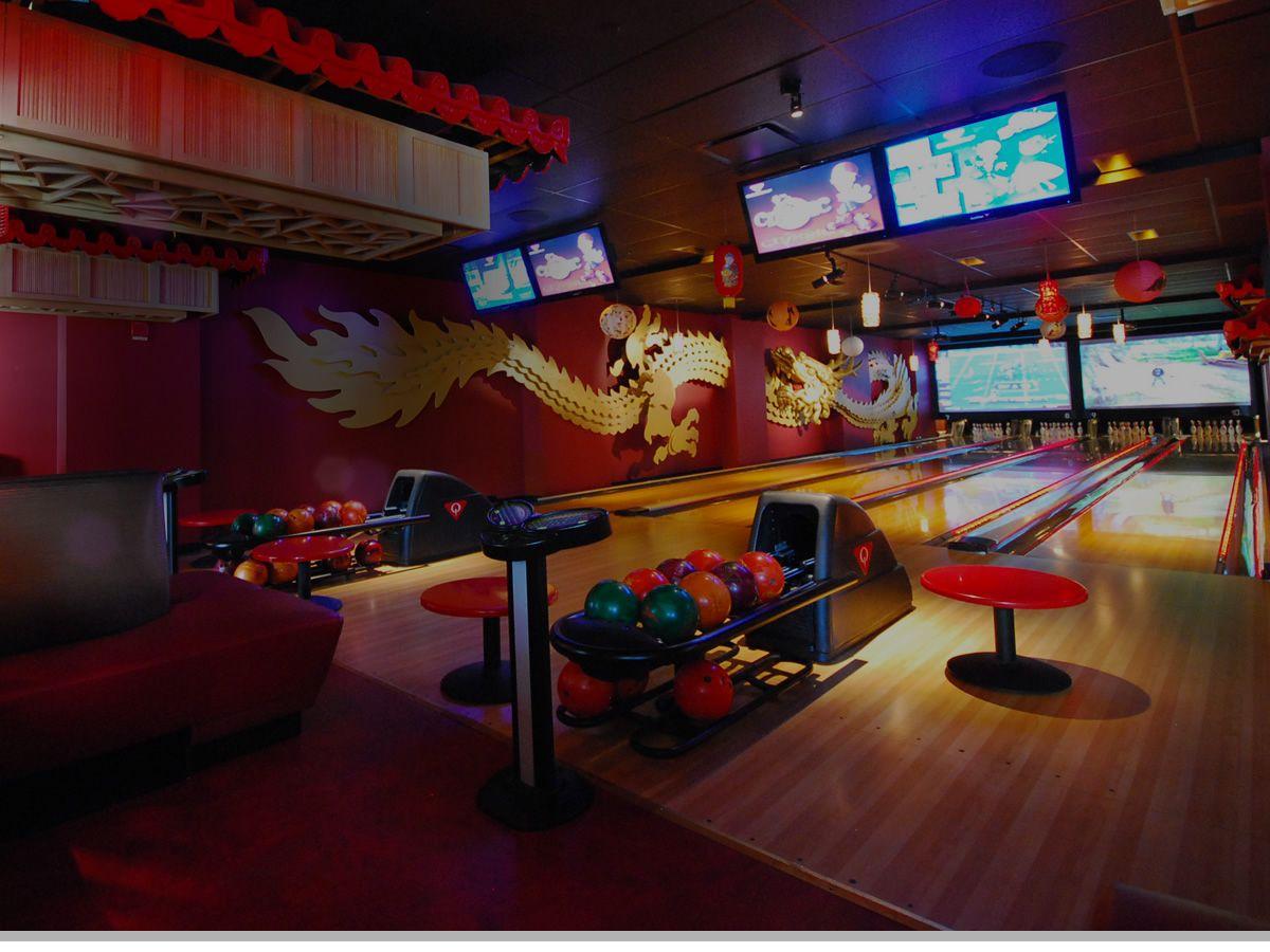 Bowlmor Times Sq 222 W 44th St Btw 7th 8th Also Union Sq Carnival Times Square Sports Bar Bowling