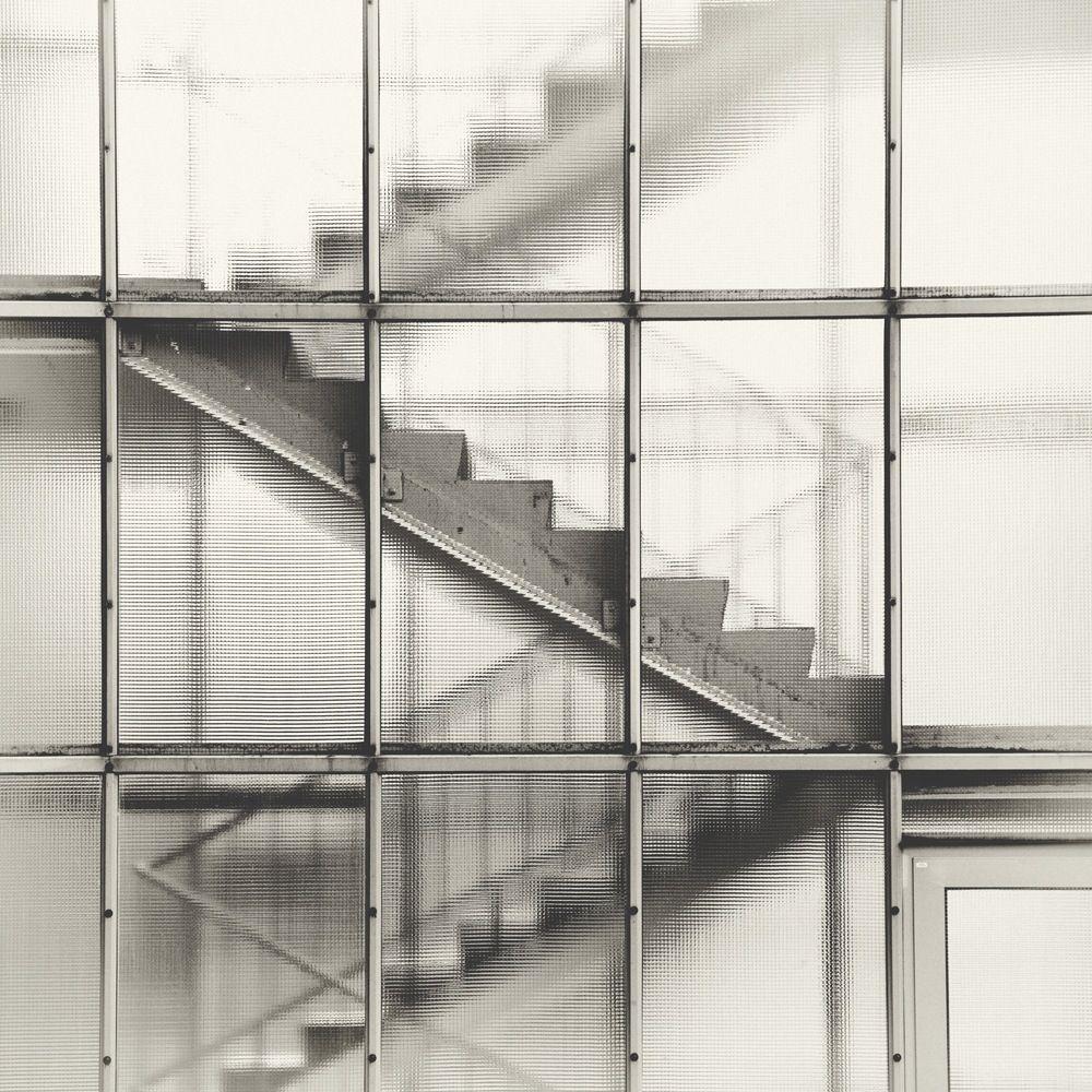 A staircase detail from an apartment building on Bartningallee 2–4, Wohnhaus, Berlin. Designed by von Egon Eiermann in 1961/1962