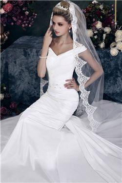 Stylish 1-Layer Chapel Wedding Bridal Veil with Vintage Floral Edge