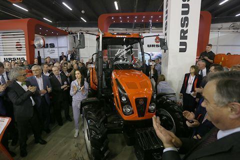 Powrót legendy  Model Ursus serii C w nowej odsłonie na targach AGROTECH