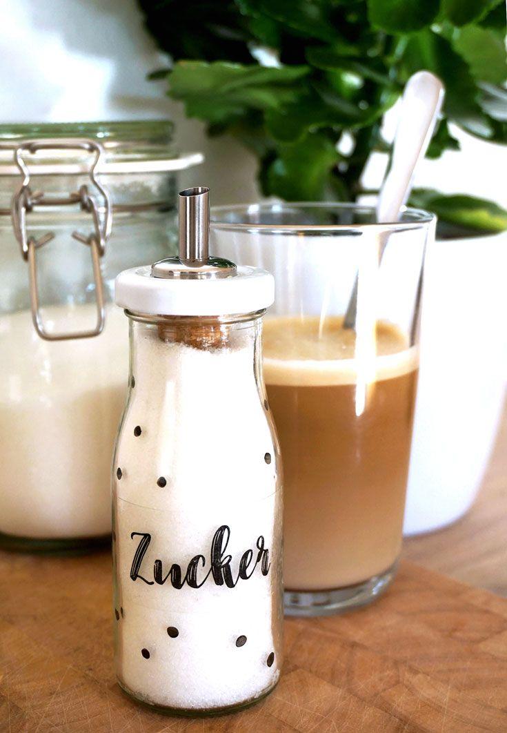 DIY Zuckerstreuer aus leerer Smoothieflasche selbermachen - dekoration küche selber machen