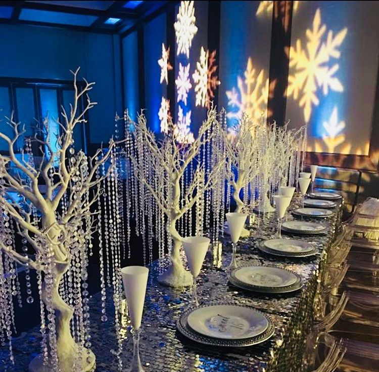 Holiday Party Table Setting and Centerpiece